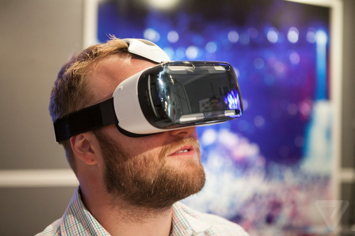 As sales drop, VR fans look to a bright, unbound future